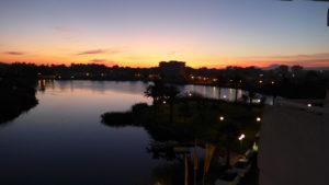 Východ slunce z hotelu Eix Lagotel