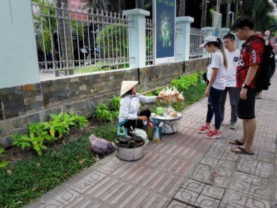 Fotografie Vietnam, Ho Chi Minh City, pouliční prodavačka