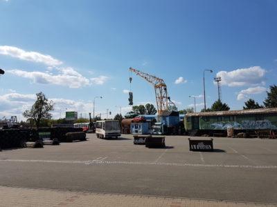 Veteráni - Kovozoo u Uherského Hradiště