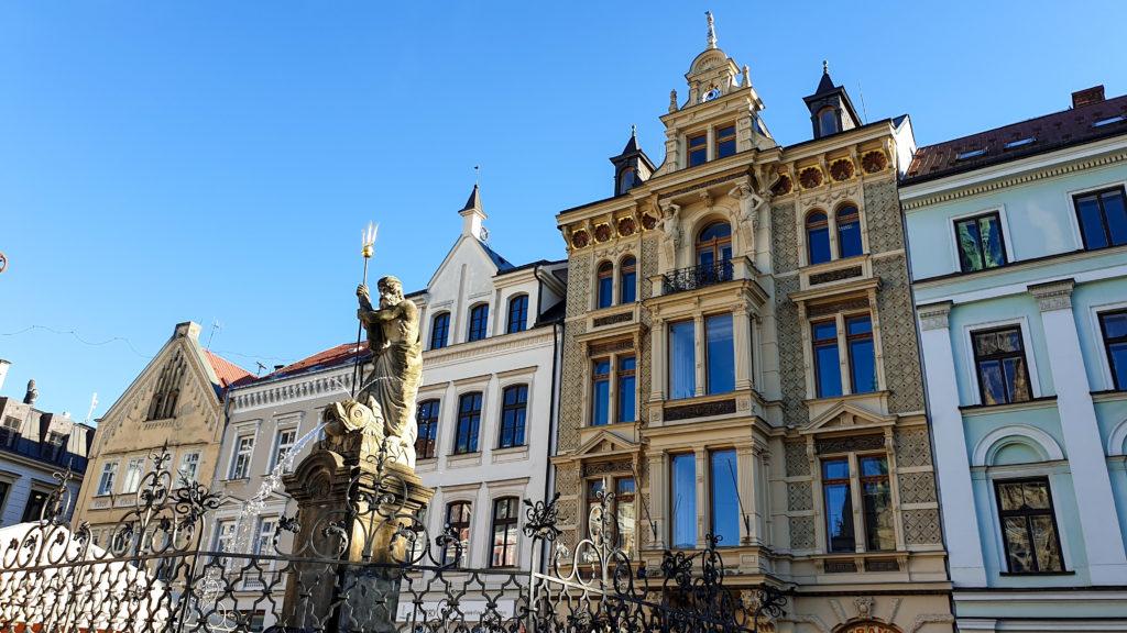 Liberec náměstí s kašnou