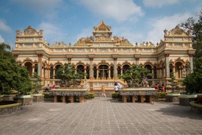 Jižní Vietnam - Vinh Trang Temple