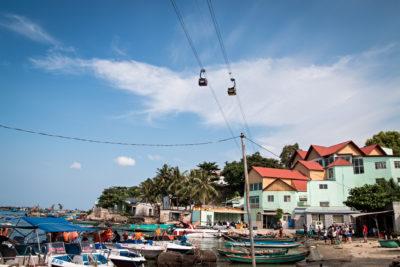 Jižní Vietnam, An Thòi - nejdelší lanovka na světě přes moře