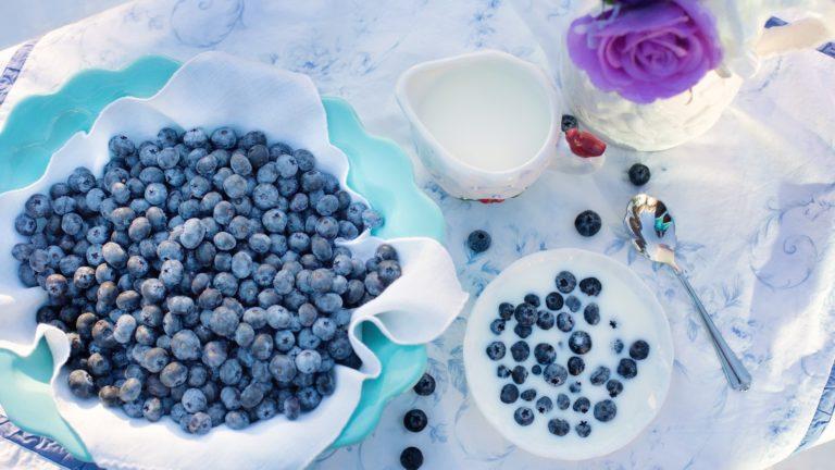 blueberries 1576409 1920