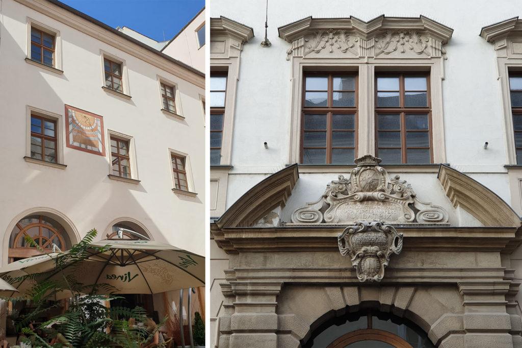 Palác šlechtičen - portál a sluneční hodiny